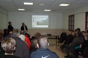 Conférence dans la salle municipale