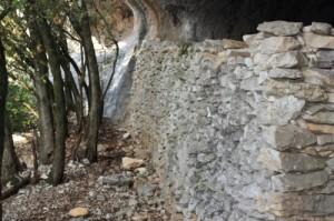Mur de l'abri-bergerie d'Autridge